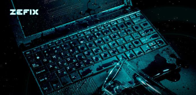 Co zrobić po zalaniu laptopa cieczą