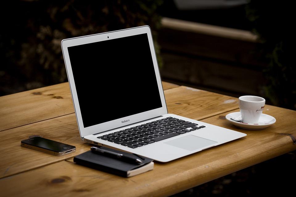 Czy laptop poleasingowy to dobra inwestycja?