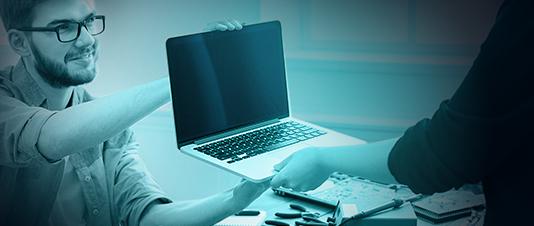 Przyjęcie laptopa do skupu za pokwitowaniem